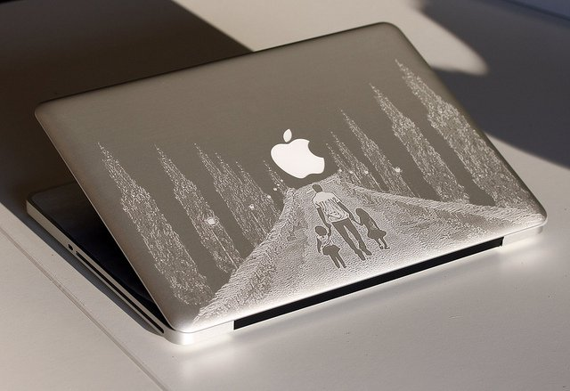 1440778286_macbook-engraving