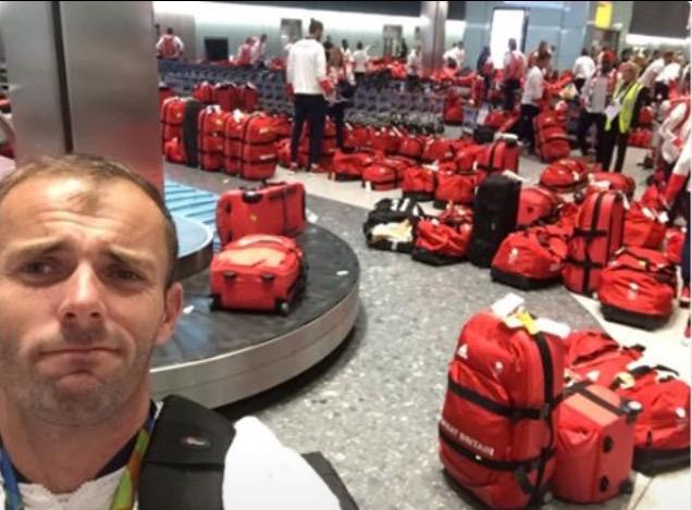 багажная бирка чемодан