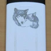 гравировка на телефоне волки